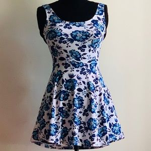 H&M floral A-Line skater sundress blue and white